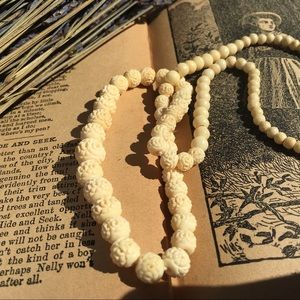 Jewelry - Vintage Carved Bone Graduated Bead Necklace